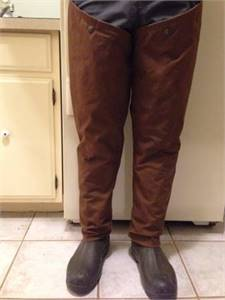 Men's Size 11.5 Muck Boots with Valley Creek Wader Chaps