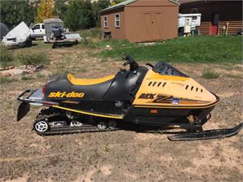 1992 Ski Doo MXZ 470 Extended Track and Tunnel