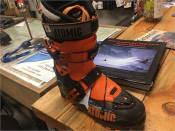 FS: Atomic Backland Carbon ski boots, size 25.5 BRAND NEW