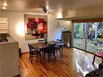 1405 sf Three bed/two bath Aspen/West End Townhome