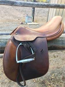 Crosby Miller's England English Saddle In Good Condition - $350