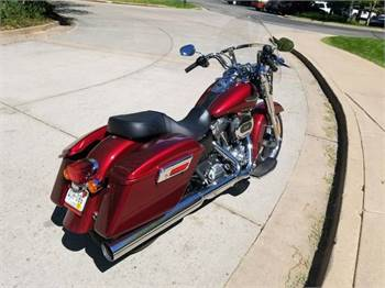 2016 Harley Dyna Switchback 2700 miles!