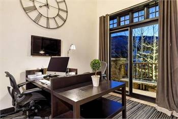 One of the largest Ski-inn townhomes in downtown Aspen